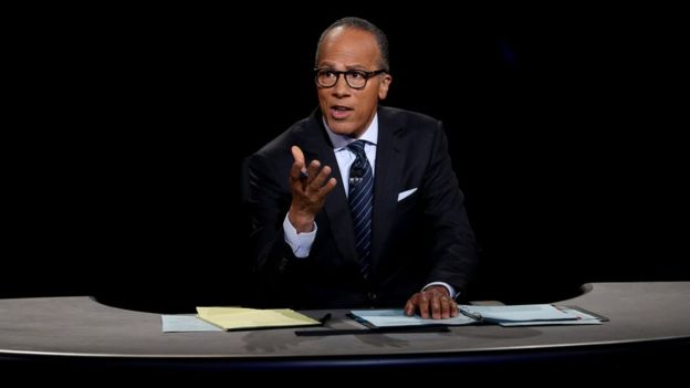 El debate fue moderado por Lester Holt, periodista de la cadena NBC. GETTY IMAGES