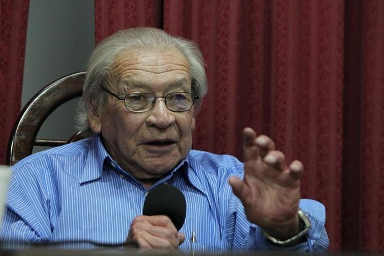 Carlos Guzmán-Bökler dejó un gran legado en el estudio de las ciencias sociales en Guatemala. (Foto Prensa Libre: Hemeorteca PL)