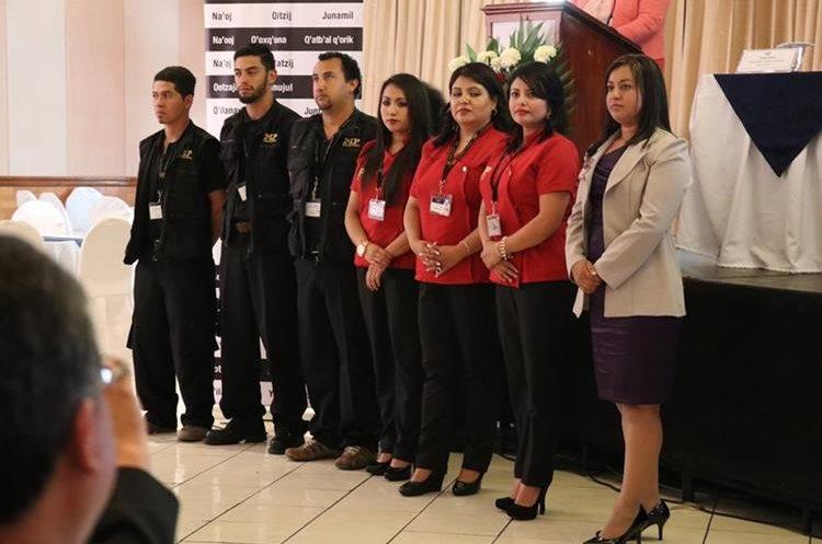 Personal del MP que estará a cargo de la Fiscalía Especializada contra Extorsiones, en Huehuetenango. (Foto Prensa Libre: Mike Castillo)
