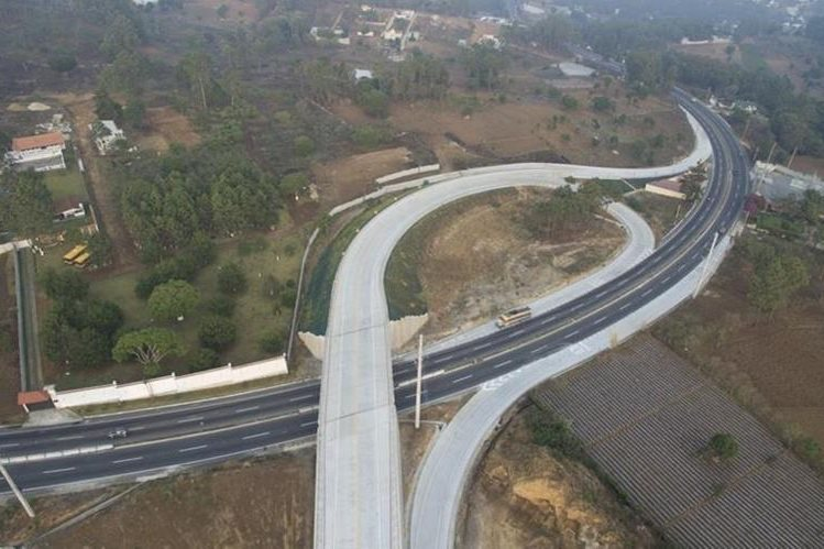 Viaducto de interconexión de la ruta Interamericana y el nuevo tramo hacia San Juan Sacatepéquez. (Foto Prensa Libre: Cortesía)