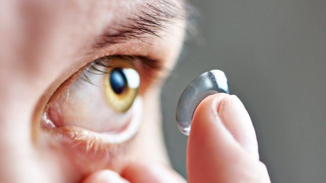 El extravío de lentes desechables en los ojos es un problema común. (Getty Images).