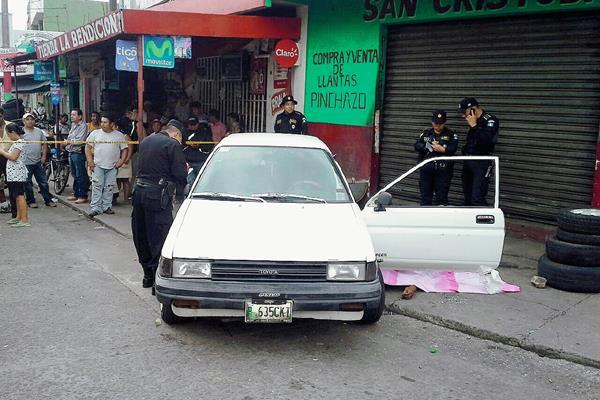 Lugar en donde murió baleado Miguel Alberto Rivera, en Escuintla. (Foto Prensa Libre: Enrique Paredes)