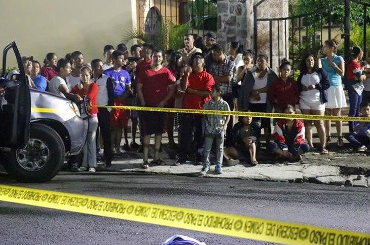 Vecinos del sector aseguran que hace falta señalización. (Foto Prensa Libre: Rolando Miranda)