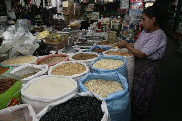 Los precios del frijol y del maíz registran estabilidad en el mercado nacional. (Foto Prensa Libre: Hemeroteca PL)