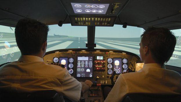 Aterrizar un avión en una pista circular es más complejo que hacerlo en una convencional. (CHRIS SATTLBERGER/GETTY IMAGES)