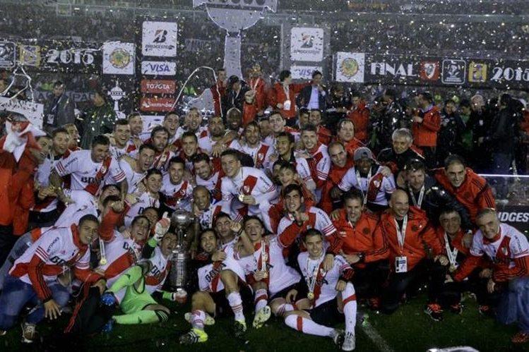 River Plate de Argentina es el actual campeón de la Copa Libertadores, título que le dio el derecho de jugar el Mundial de Clubes. (Foto Prensa Libre: Hemeroteca)