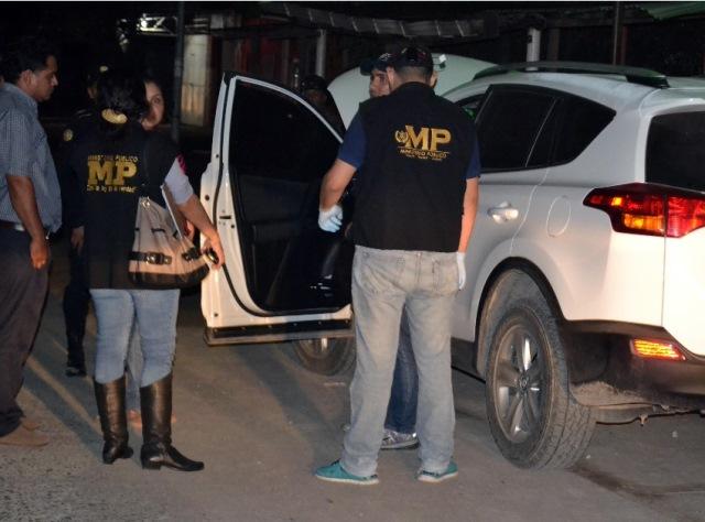 Ataque armado contra abogada en Izabal. (Foto Prensa Libre: Edwin Perdomo)