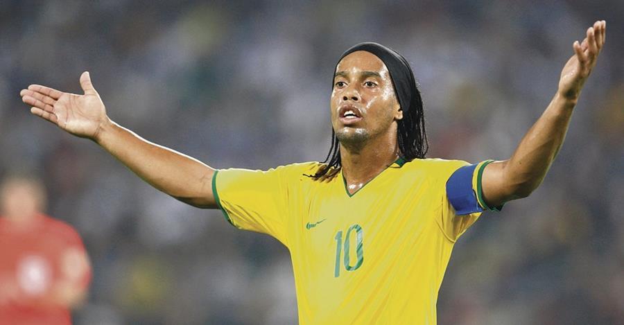La figura brasileña Ronaldinho Gaúcho participará en un duelo amistoso en Honduras entre el Motagua y el Real España (Foto Prensa Libre: Hemeroteca PL)