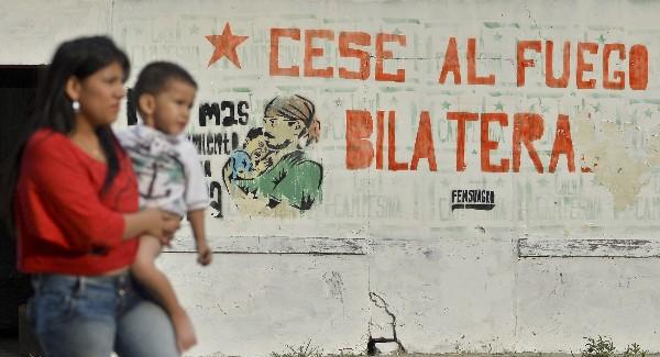 Un alto el fuego pone fin a una guerra de 52 años entre el Estado colombiano y las Farc.(Foto Prensa Libre:AFP).