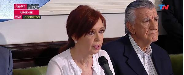 La expresidenta Cristina Fernández ofrece una conferencia. (Captura de pantalla)