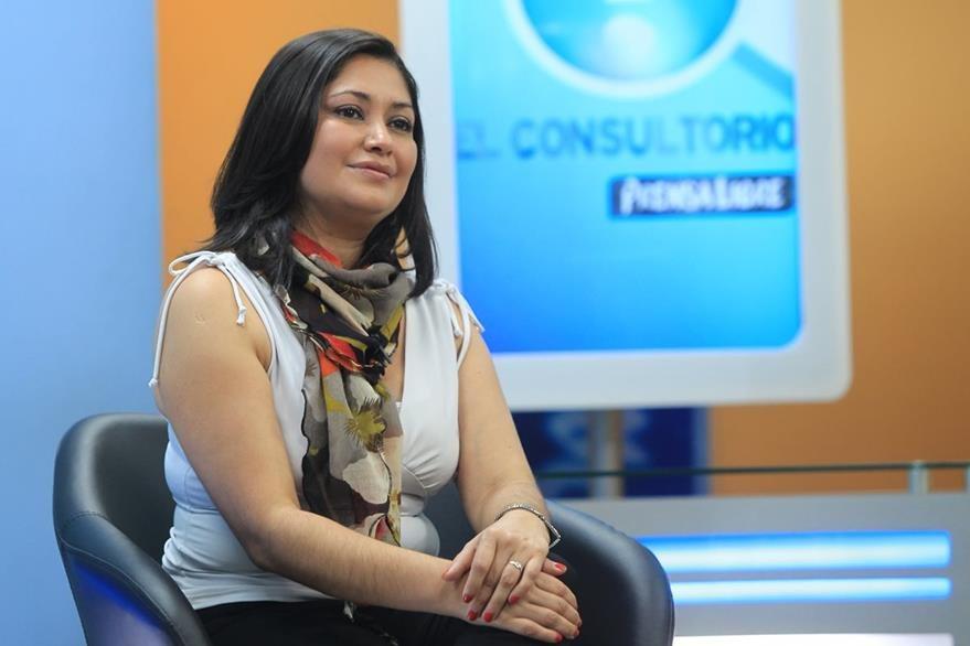 Ángela Reyes, psicóloga de la Liga Guatemalteca de la Higiene Mental, durante El Consultorio. (Foto Prensa Libre, Esbin Garcia)