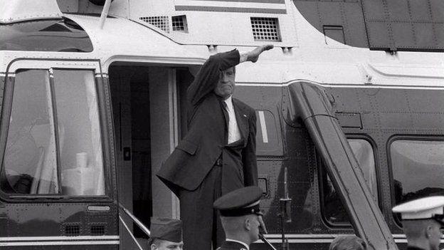 Clinton formó parte del equipo de abogados que investigó al presidente Richard Nixon. AP