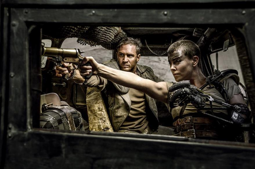 Tom Hardy y Charlize Theron protagonizan Mad Max: Furia en la carretera. (Foto Prensa Libre: AP)