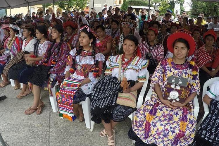 Con la participación de 121 reinas indígenas de todo el país, será llevará a cabo la elección de la nueva Rabín Ajaw, en Cobán, Alta Verapaz. (Foto Prensa Libre: Eduardo Sam)
