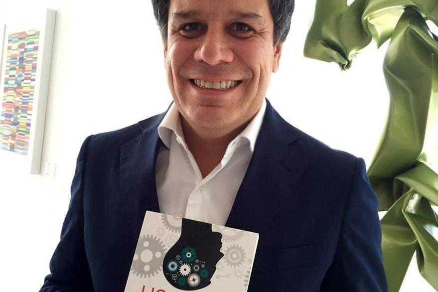 """El neurocientífico argentino, Facundo Manes, autor del libro """"Usar el cerebro"""". (Foto Prensa Libre: EFE)."""