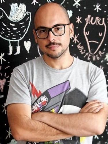 """El director y productor chileno Nicolás López confía en que """"Hazlo como hombre"""" repita en Estados Unidos el éxito logrado en México. (Twitter)."""