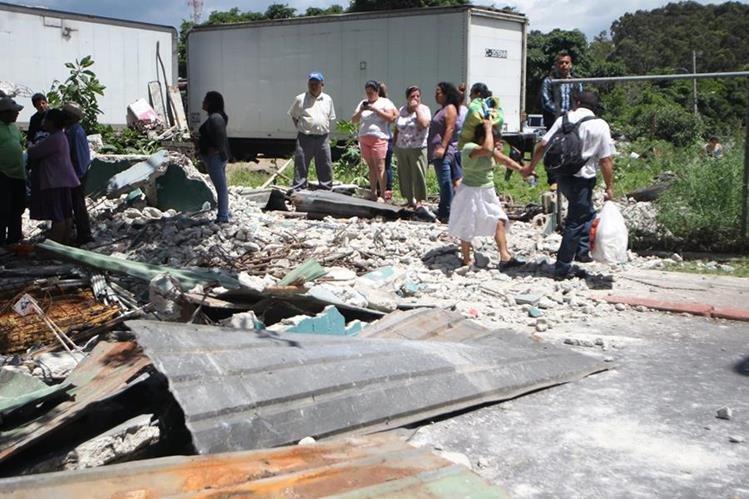 Manifestación de vecinos de la colonia Eureka, zona 21, el pasado lunes. (Foto Prensa Libre: Hemeroteca PL).