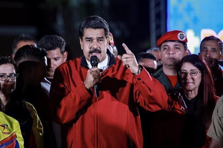La votación de la Asamblea Nacional Constituyente comenzó entre nerviosismo por el riesgo de violencia. (Foto Prensa Libre: EFE)
