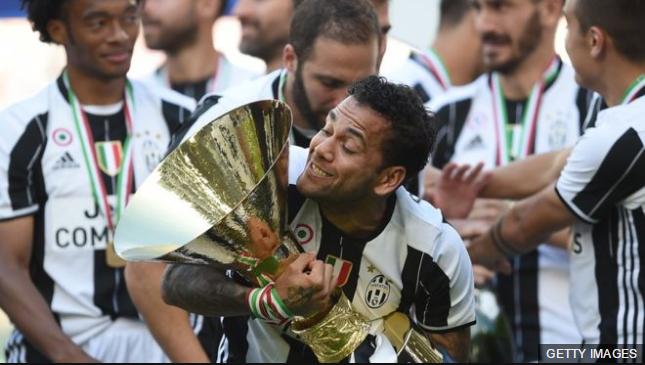 Juventus sumó el título de liga al que logró en la Copa la semana pasada.