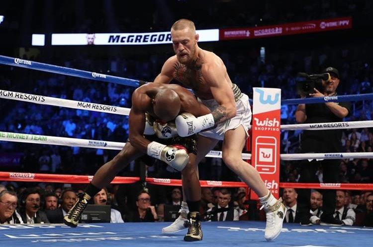 Conor McGregor careció de técnica y falló en varias ocasiones.