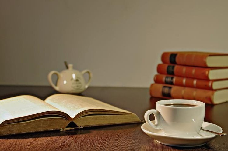 La lectura alimenta la imaginación de los lectores. (Foto Prensa Libre: Hemeroteca PL)