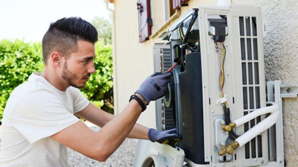 El mantenimiento de los sistemas de aire acondicionado es esencial para evitar la circulación de gérmenes. (THINKSTOCK)