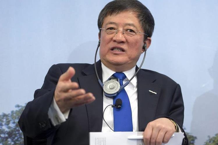 Ren Jianxin, habló en la reunión anual de la empresa agroquímica Syngenta en Suiza. (Foto Prensa Libre:AP)