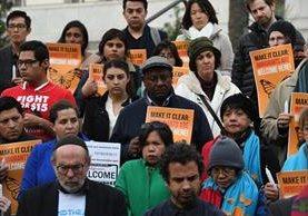 Una protesta en Los Ángeles que pide el fin de las deportaciones- (Foto Prensa Libre: AFP)
