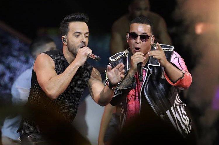 """Daddy Yankee junto a Luis Fonsi, con quien popularizó el éxito de """"Despacito"""" (Foto: Hemeroteca PL)."""