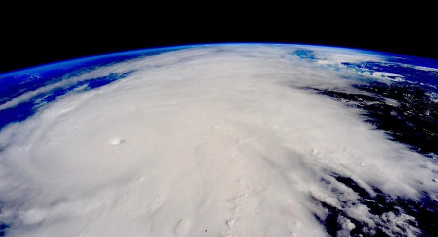 """Imagen satelital del huracán """"Patricia"""" que el año pasado generó gran temor por su posible devastador impacto, no obstante solo causó daños materiales. (Foto Prensa Libre: Hemeroteca PL)."""