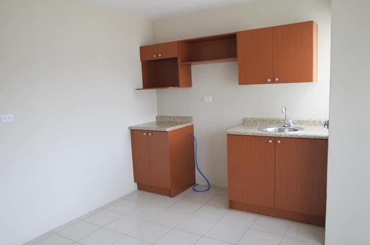 Las viviendas en el complejo residencial Mi Querida Familia tendrán gabinetes de cocina y closet. (Foto Prensa Libre: Erick Ávila)