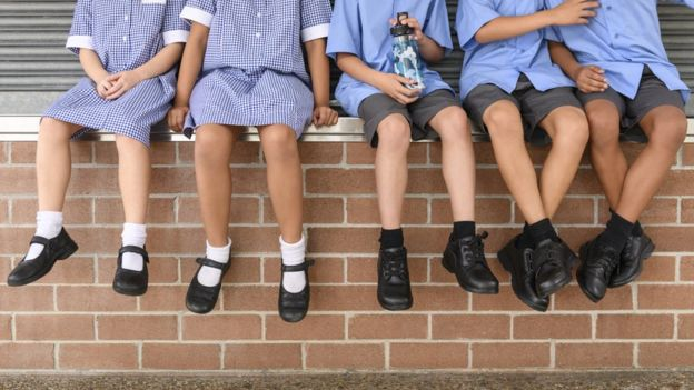 Algunos países optan por un calendario escolar más extenso y cargado y otros más reducido y con menos horas lectivas al día. GETTY IMAGES