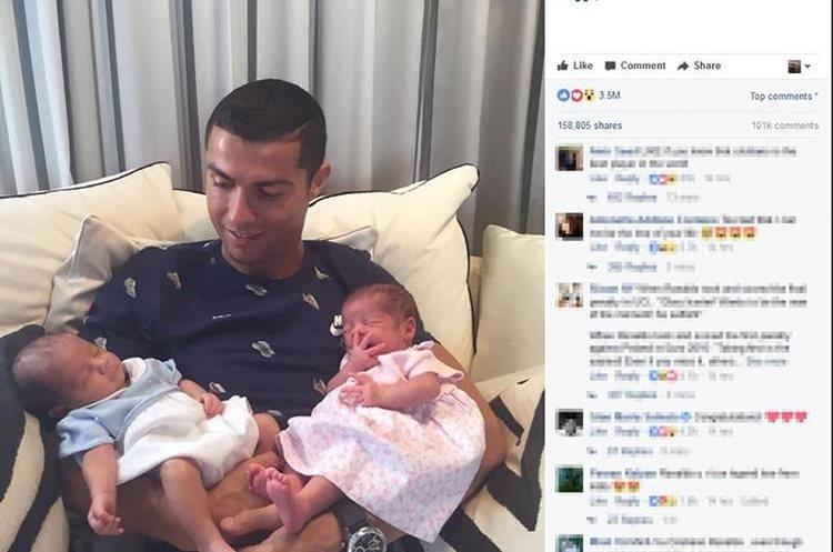 Cristiano Ronaldo luce feliz con sus gemelos que habrían nacido a través de un vientre de alquiler. (Foto Prensa Libre: AFP).