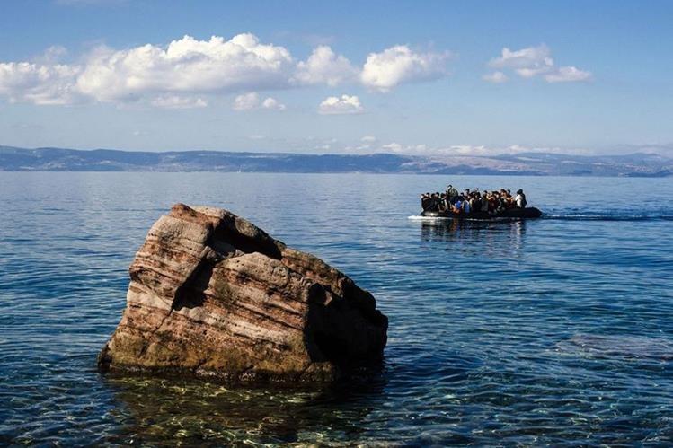 En las últimas semanas, la mayoría de las víctimas encontradas en las costas de Lesbos son niños.(Foto Prensa Libre: AFP).