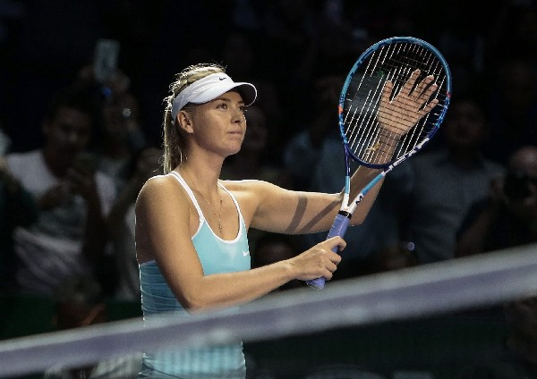 Maria Sharapova festeja el pase a la siguiente fase. (Foto Prensa Libre: EFE)