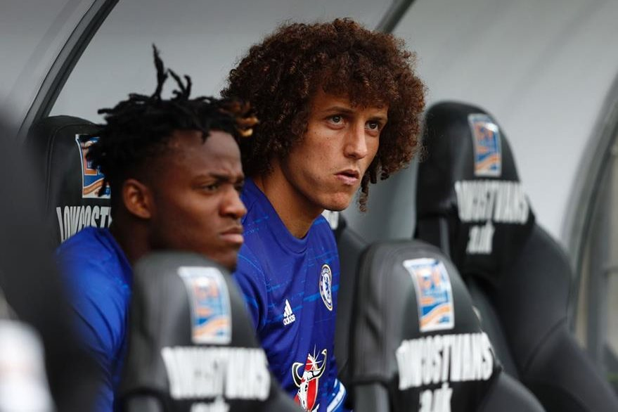 David Luiz regresa a Stamford Bridge luego de su paso por el PSG francés. (Foto Prensa Libre: AFP)