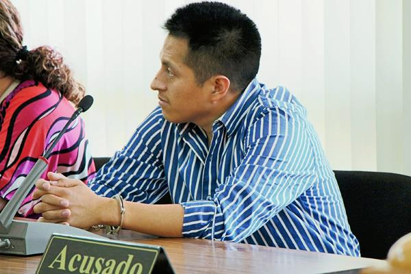 Isaías Rafael  Tzunún Vásquez fue sentenciado a 20 años de prisión por  tenencia ilegal de armas, en Totonicapán. (Foto Prensa Libre: Édgar Domínguez)