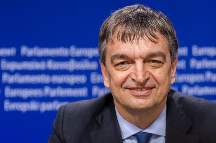 Jerome Champagne, uno de los candidatos para la presidencia de la Fifa. (Foto Prensa Libre: AFP)