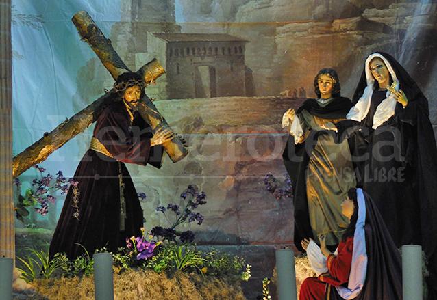 Escena del encuentro de Jesús con su madre, altar cuaresmal de la Parroquia La Merced donde aparecen las imágenes consagradas de Jesús de la Merced y la Dolorosa acompañados de San Juan y Santa María Magdalena. (Foto: Néstor Galicia)
