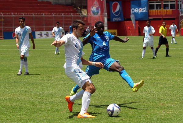 Saravia también formó parte de la Selección Sub 23 de Guatemala. (Foto Prensa Libre: Hemeroteca PL)