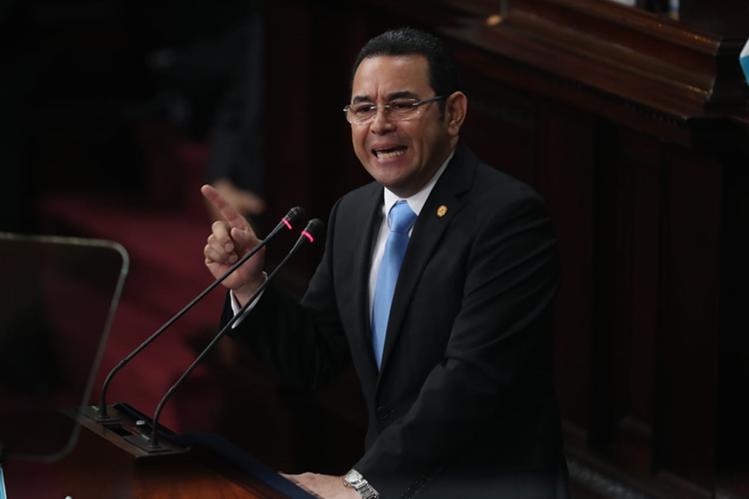 El presidente Jimmy Morales durante su discurso en la sesión solemne del Congreso por la Independencia Patria. (Foto Prensa Libre: Esbin García)