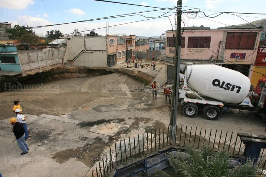 10/01/2011 Última etapa de relleno del hundimiento en  Ciudad Nueva, zona 2. (Foto: Hemeroteca PL)