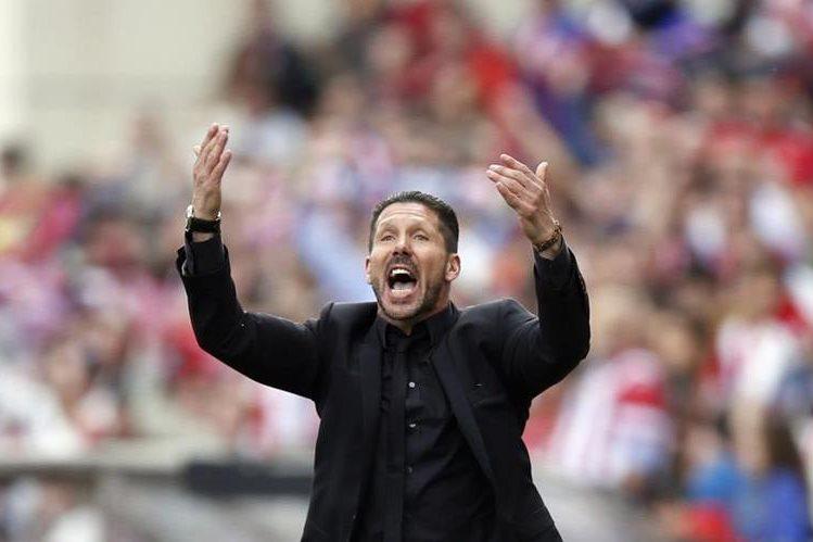 El técnico argentino del Atlético se mantendrá en el cargo durante la próxima temporada. (Foto Prensa Libre: AFP).