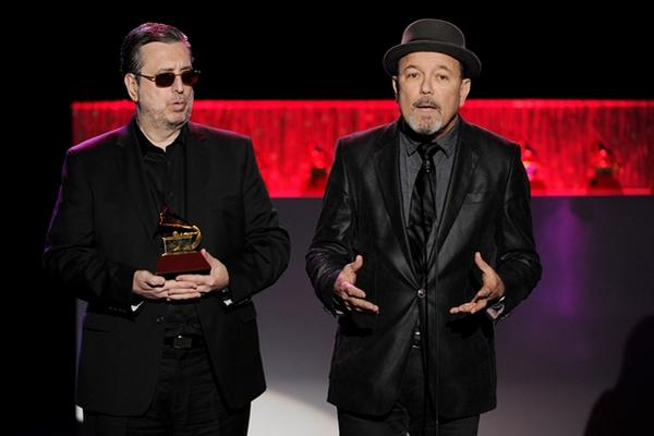 "<p>La Academia de la Música Latina le entrega a Ruben Blades un Latin Grammy (Foto Prensa LIbre: AP).<br _mce_bogus=""1""></p>"