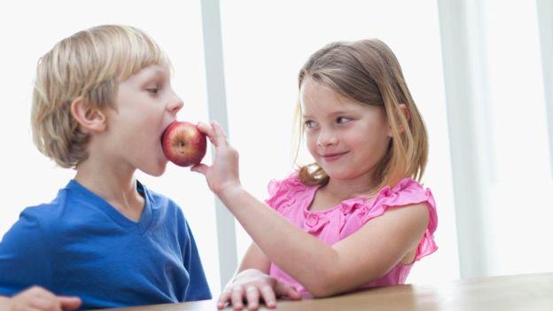Más fruta y menos dulces: una buena idea. (SPL)