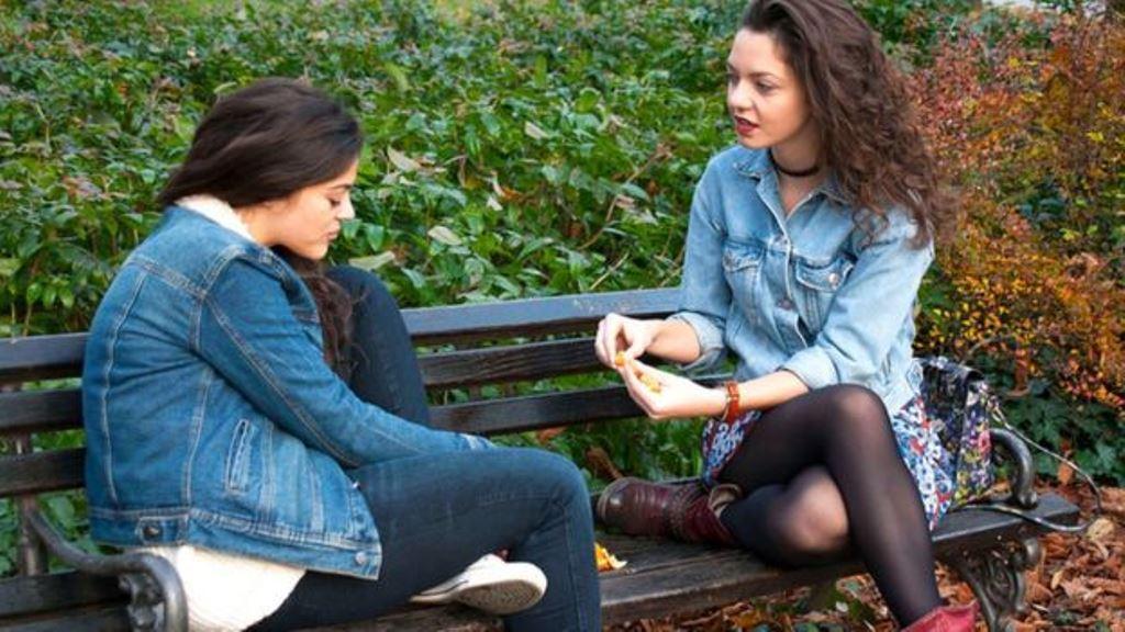 Según la doctora Kirstin Mitchell, una educación sexual más eficaz podría preparar mejor a la gente joven para lidiar con este problema. (THINKSTOCK)