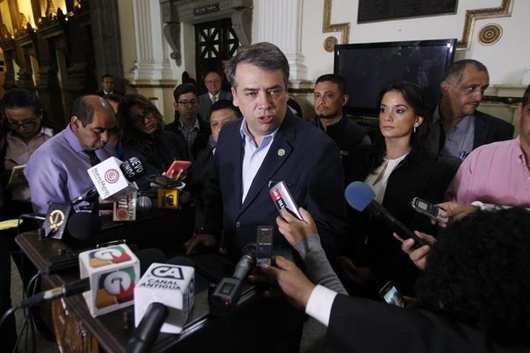 El alcalde y presidente de la Asociación Nacional de Municipalidades, Edwin Escobar, pide que se esclarezcan las muertes de los ediles.(Foto Prensa Libre: Hemeroteca PL)