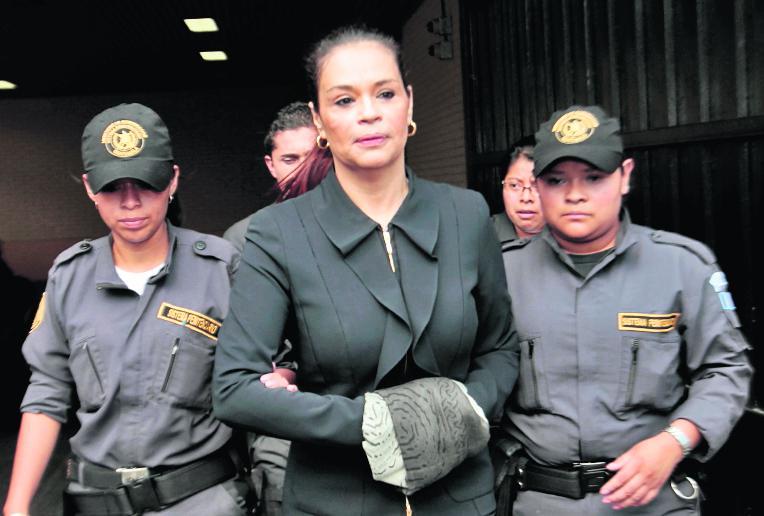 La ex vicepresidenta fue trasladada durante la madrugada a su celda en la cárcel Santa Teresa. (Foto Prensa Libre: Hemeroteca PL)