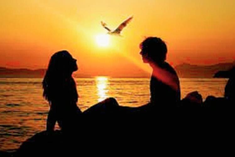 Las relaciones sentimentales deben basarse en el amor y la comunicación.