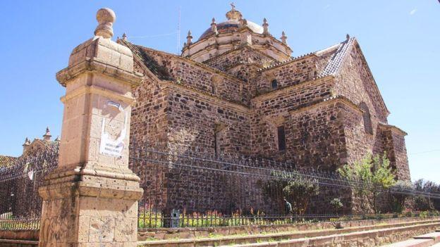La iglesia de Santiago Apóstol, en Lampa, está considerada patrimonio nacional. PAUL PALAO